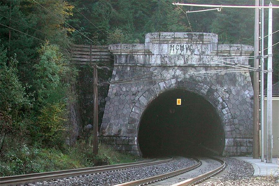 Northern portal of tunnel Karavanke (Photo: Wikipedia-User Dreinagel)