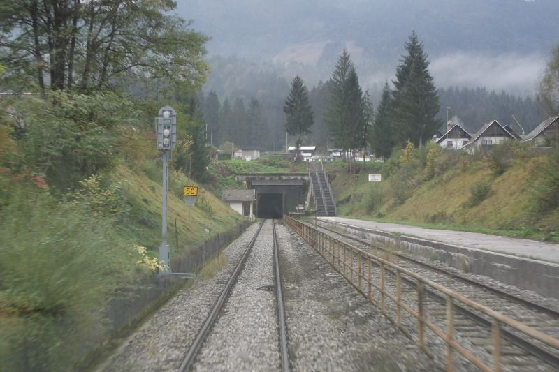 Environment at northern portal of tunnel Kobla (Photo: Lothar Brill)